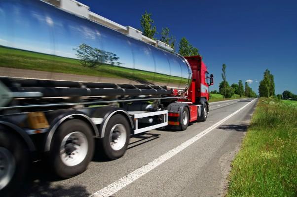 Tanker_Truck_35032691_600x400.jpg